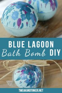 This is one of my favorite easy bath bomb recipes. They're a great DIY and make for a cute homemade gift. #bathbombs #bathbombdiy #christmasgifts