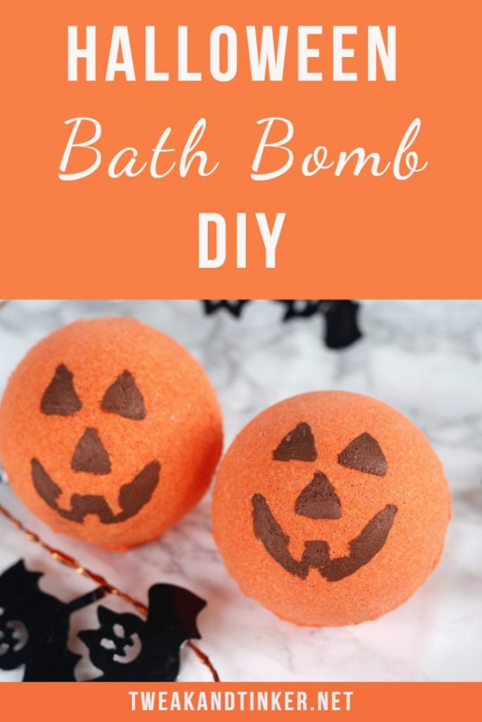 This is a cute Halloween DIY idea - Jack-o'-lantern bath bombs recipe scented with essential oils. They make for a fun kids craft, homemade gift, decorations or no candy treats. #halloween #bathbomb #kidcraft #diy #pumpkin