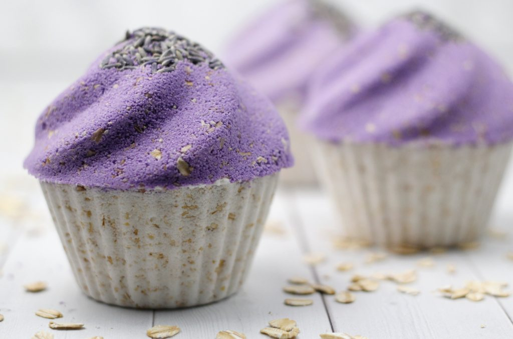 Lavender Oatmeal Cupcake Bath Bomb DIY with natural essential oil