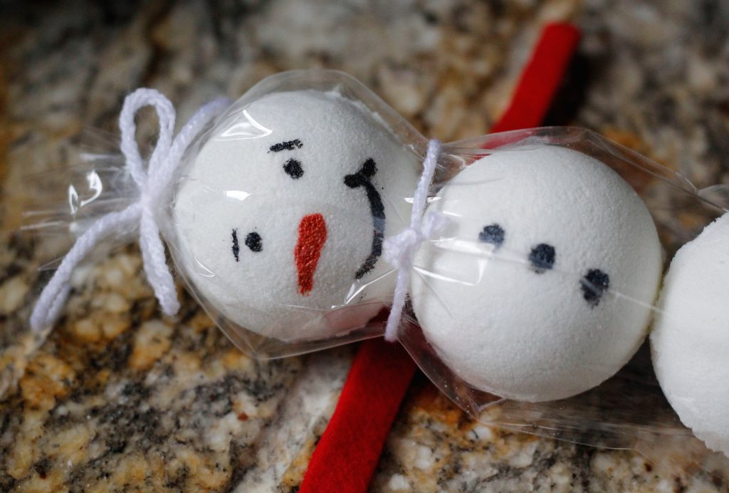 snowman bath bombs with felt ribbon